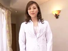 キレイな人妻熟女動画 :【初撮り】セレブでキレイな三十路のシロガネーゼ奥様がもっとエッチがしたくてAV応募!