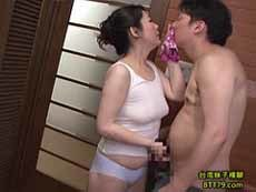 熟女ストレート :まだ40代の義母。あぁ義母さん、女房よりずっといいよ… 月島小菊