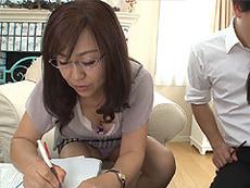 熟女ストレート :おばさん家庭教師が経験豊富な熟女のテクで教え子の童貞まで卒業させる! 小宮山葵