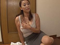 熟女ストレート :むっちり巨乳熟女のセールスレディがオンナの武器を使って契約を取る! 青井マリ