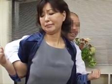 ダイスキ!人妻熟女動画 :不良学生たちに犯され中出しされる五十路の美熟女校長! 里中亜矢子