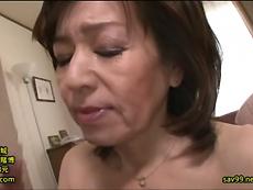 熟女動画だよ :息子の前で中出しSEXさせられたのに気持よくて逝ってしまった母親