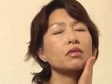 熟女動画だよ :【無修正】お母さん、浪人生はつらいよ! 何言ってるの、がんばりなさい!