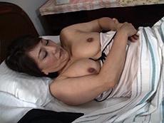 熟女ストレート :幾つになっても性欲の衰えない五十路義母が息子と言い争う内にSEXしてしまい… 近藤郁美