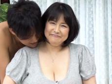 ダイスキ!人妻熟女動画 :ぽっちゃりなアラフィフ熟女が怒涛のLカップ引っさげて初撮りAVに挑戦! 富沢みすず