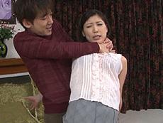 熟女ストレート :甥にプロレス技を掛けられて、その勢いでSEXさせられる三十路の巨乳叔母! 天野弥生