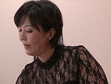 熟女ストレート :「私を見ながら何考えてたの?シコシコしてたんじゃないの?」巨乳義母と息子! 円城ひとみ