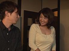 熟女ストレート :大好きな三十路の巨乳母が友人と再婚する事に…嫉妬する息子。 笹山希