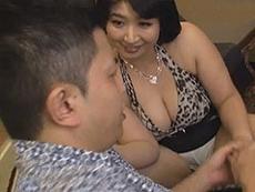 熟女ストレート :熟女ソープに行ったら母が働いてた!まだ若い三十路豊母が息子に禁断サービス! 紺野京子