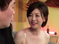 ダイスキ!人妻熟女動画 :会員制の美熟女パブで四十路の綺麗なママさんが秘密の裏メニューSEX! 竹内梨恵