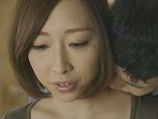 熟女ストレート :三十路熟女の綺麗な母親の友人に欲情する青年! 加瀬かなこ