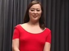ダイスキ!人妻熟女動画 :ヨガ教室を営む美人の四十路おばさんが生徒を増やすために性的裏ワザを使うw 栗野葉子