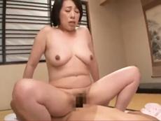 ダイスキ!人妻熟女動画 :年取った母親と来る日も来る日も濃密セックスを繰り返す愛に飢えた息子 柏木舞子