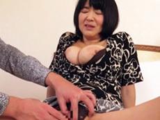 ダイスキ!人妻熟女動画 :ぽっちゃり巨乳の完熟五十路妻が高層ホテルで乱れまくりの不倫セックス! 上島美都子
