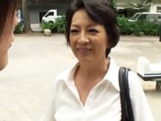 ダイスキ!人妻熟女動画 :東京で一人暮らしをする息子に会いに来て禁断の濃厚セックスをしちゃう五十路母!