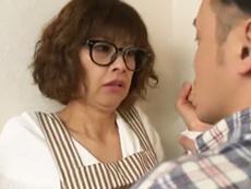キレイな人妻熟女動画 :スレンダーな元グラドルが四十路になり、ファンを名乗る男に犯されてしまう! もちづきる美