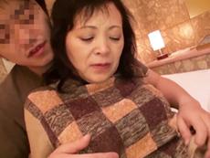 ダイスキ!人妻熟女動画 :北海道を旅行中の五十路&六十路おばさんをナンパ、即ハメ撮り濃厚セックス!