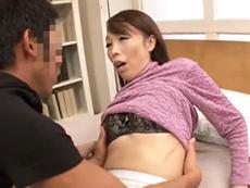キレイな人妻熟女動画 :友達の五十路のお母さんと蕩けるような濃厚キスでハメまくったった!