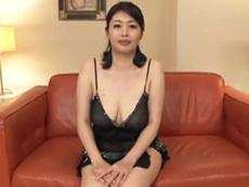 ダイスキ!人妻熟女動画 :巨乳の初撮り熟女妻がプロ男優の洗礼を受けてアンアン喘ぎまくり 尾野あずさ