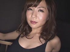 熟女ストレート :厚化粧でエロい格好した三十路熟女!貴方に向かって挑発淫語オナニー! 加納綾子