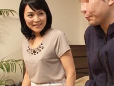 ダイスキ!人妻熟女動画 :友達の五十路の母ちゃんがエロ下着で誘ってきたのでガン突きお見舞いしたったw