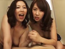 キレイな人妻熟女動画 :団地のドスケベ痴女な2人の美熟女が引っ越してきた若い学生を喰いつくす! 翔田千里 結城みさ