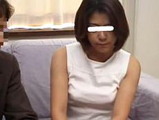 あだるとあだると :【無】訳アリAV出演した美人三十路妻が緊張しつつも他人棒に乱れる!