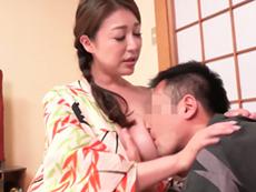 キレイな人妻熟女動画 :キレイな四十路のおふくろと温泉旅行に出かけ、一線を越えてしまった夏 仁科りえ