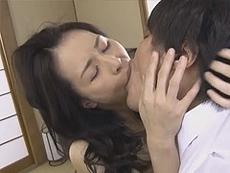 熟女ストレート :四十路母の熟れた蜜壷は息子によって再び夜ひらく! 井上綾子