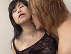 オバタリアン倶楽部 :【無修正】日野麻里子 初裏 息子を溺愛する六十路母