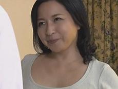 熟女ストレート :四十路(48歳)ぽっちゃり巨乳の友母に誘惑されてSEXしまくった僕… 倉本雪音