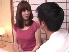 人妻会館 :【澤村レイコ】 おばさんに何か用なの!一度だけやらせてよ!