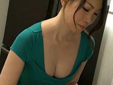 熟女ストレート :欲求不満の四十路巨乳母。そんな家庭では親子の間で間違いを起こす事が… 多田淳子