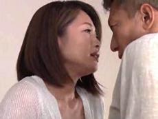 人妻会館 :【友田真希】 大きいの診せてちょうだい!ビンビンにしてあげる!