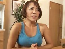 ダイスキ!人妻熟女動画 :四十路の筋肉母さんの浮気セックス後の使用済みコンドームを発見した息子が欲情し…