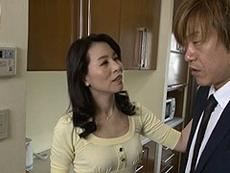 熟女ストレート :我が子と恋人同士のように舌を絡め合い性器を貪り合う四十路母! 井上綾子