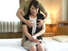 ダイスキ!人妻熟女動画 :初撮りでド緊張の高身長・貧乳の四十路妻が可愛すぎる! 白石美子