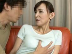 ダイスキ!人妻熟女動画 :息子の友だちに弱みを握られガッツリと中出しされるスレンダーな美熟女四十路母 香澄麗子