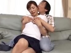 ダイスキ!人妻熟女動画 :夫の連れ子が甘えてきてセックスを懇願され躰を許す四十路の継母!