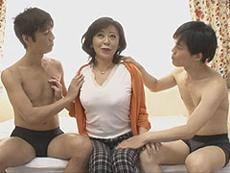 熟女ストレート :五十路のぽっちゃり巨乳熟女さんを初撮り! 寺島千鶴