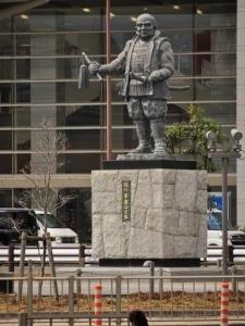 駅前家康像 (2)