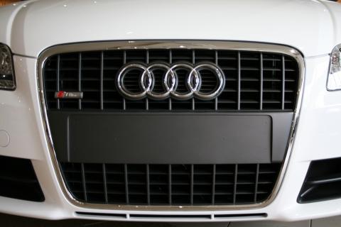 Audi_grill.jpg
