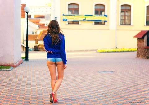 girl-869146_640.jpg