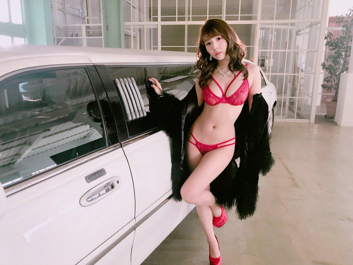三上悠亜松田美子桜もこ005
