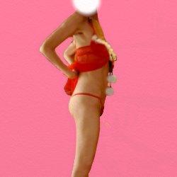 赤いスケスケの下着でお腹をまくりあげて横向きで立っている