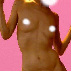全裸の上半身で踊るようなポーズをとっている