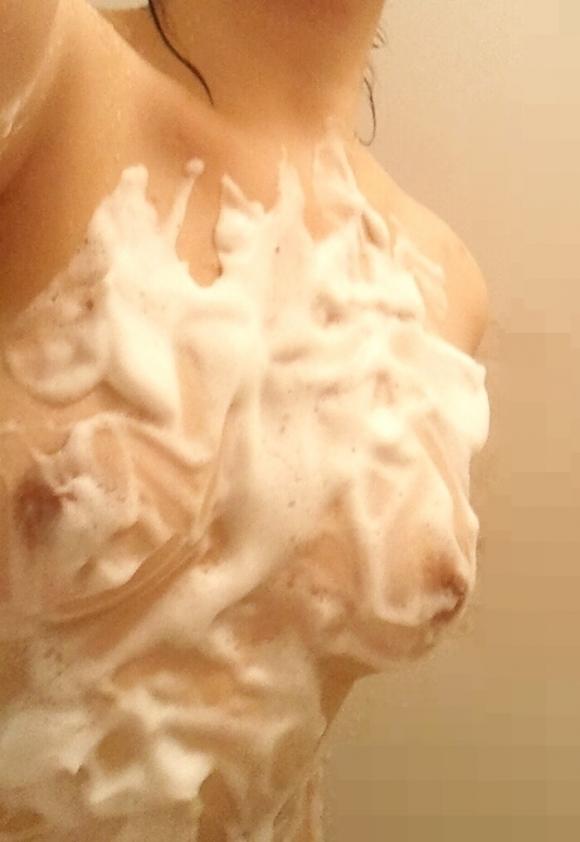 【自撮りエロ画像】SNSに「お風呂なう」と自撮り画像をうpする素人女子のエロさwwwwwww【画像30枚】01_20171027121645191.jpg