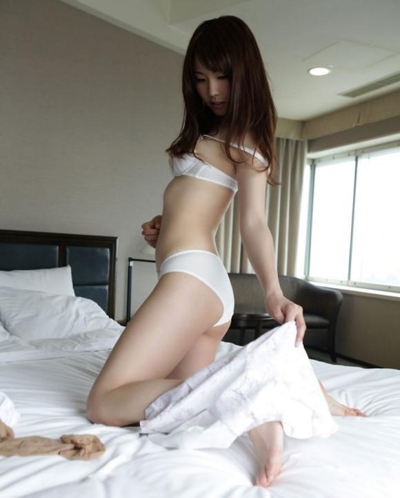 清純派に萌える白下着の女の子に万歳wwwwwww【画像30枚】01_20171027131630853.jpg