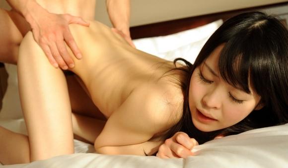 女の腰をガッシリ掴んで思いっきりチンコをブチ込んでやりたいwwwwwww【画像30枚】01_20171202022003cbe.jpg