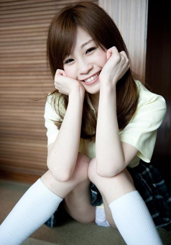 笑顔で可愛い女の子のパンチラって元気もらえるわぁwwwwwww【画像30枚】01_20171226033227c0c.jpg